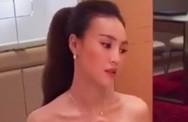 Ninh Dương Lan Ngọc lộ vóc dáng gầy gò, tay khẳng khiu