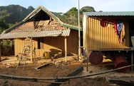 Khung cảnh tan hoang khi nước rút ở Quảng Bình