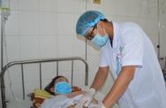 Nuốt cơm cháy để chữa hóc xương, người phụ nữ bị xương đâm thủng ruột
