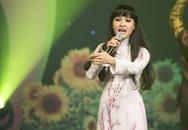 """Bà mẹ 4 con Trang Nhung hát vẫn """"sung"""""""