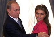 """Tổng thống Nga """"đang yêu"""""""