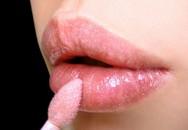 Những nguy hiểm khó lường từ son môi