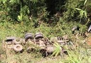 Xe chở quân nhân rơi xuống vực sâu, 5 người tử vong