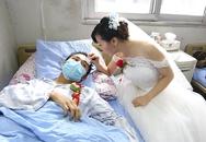 Đám cưới xúc động của thiếu nữ 19 tuổi với bạn trai bệnh bạch cầu
