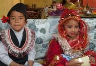 Trở thành cô dâu, chú rể khi mới lên 10