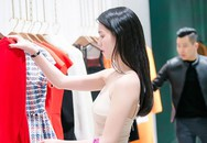 Ngọc Trinh tới shop của Victoria Beckham mua sắm