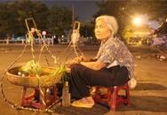 Cuộc đời buồn của cụ bà 82 tuổi gánh hàng mưu sinh trong đêm