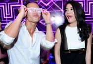 Kim Lý nhảy sung trong bar mừng sinh nhật Trương Ngọc Ánh