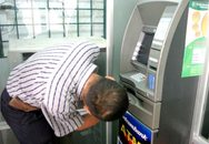 """""""Cây"""" ATM """"hết tiền"""" không thông báo trong 24 giờ: Phạt 15 triệu"""