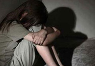 """Bé gái 13 tuổi bị dượng rể dụ vào phòng trọ """"quan hệ"""""""