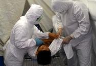 Diễn tập ca nghi nhiễm Ebola đến BV Nhiệt đới Trung ương