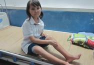 Bé gái nghèo mang trọng bệnh vì quanh năm ăn cơm với muối