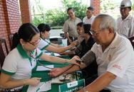 Khám và cấp phát thuốc miễn phí cho người cao tuổi