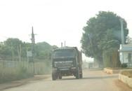 Hàng loạt xe tải gây ô nhiễm môi trường tại cảng hàng không