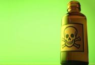 Cha uống thuốc độc sau khi chôn cất con trai