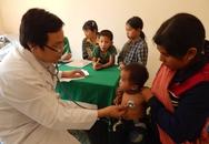 Khám và siêu âm tim miễn phí cho hàng ngàn trẻ em miền núi