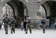 Pháp bị tấn công dồn dập sau vụ khủng bố tòa soạn báo