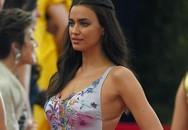 """Irina Shayk """"vuốt ve"""" bồ mới trong tiệc hậu Met Gala của Rihanna"""