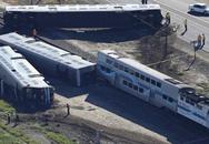 Tàu hỏa đâm xe tải, 28 người thương vong