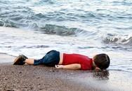 """Tác giả """"hóa đá"""" khi chụp bức ảnh thi thể bé trai người Syria"""