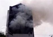 Hà Nội: Cháy lớn, 3 trẻ nhỏ may mắn thoát khỏi ngôi nhà nghi ngút lửa