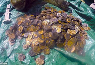 Phát hiện kho tiền vàng khổng lồ giữa đại dương