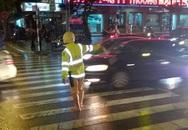 CSGT quần ống thấp, ống cao trên phố Hà Nội gây chú ý