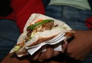 Những khác biệt của món doner kebab khắp thế giới
