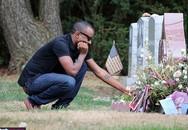 Bạn trai con gái Whitney Houston bị nghi bán hình ảnh đi thăm mộ với giá cao