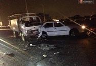 Hà Nội: Ô tô tải tông nát ô tô con đang đỗ bên đường, nam thanh niên bị gãy hai tay
