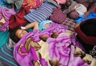 Bé gái chào đời giữa lúc động đất rung chuyển Nepal