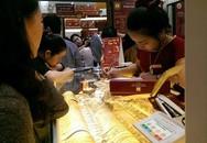 Ngại xếp hàng, người Hà Nội mua vàng trước ngày vía thần tài