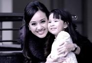 Khoảnh khắc ngọt ngào của BTV Hoài Anh bên con gái yêu