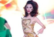 Hoàng Thùy Linh mặc sexy khoe thân hình gợi cảm trên sân khấu