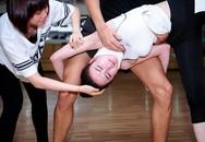 Angela Phương Trinh vẫn cố tập dù bị chấn thương