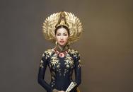 Cận cảnh hai bộ áo dài nhũ vàng của Phạm Hương ở Miss Universe