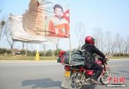 Rớt nước mắt bố lái xe hơn 400.000 km tìm con trai bị bắt cóc suốt 18 năm