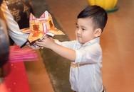 Không lo con thành trộm cắp nếu biết dạy trẻ làm việc thiện từ bé