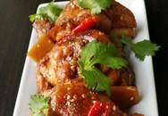 Thịt gà kho nước dừa ngon cơm chiều