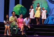 Mỹ Linh, Cẩm Ly hạnh phúc hát cùng các con