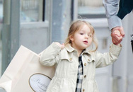 """""""Tiểu thư"""" nhà Becks phấn khích đi mua sắm cùng bố"""