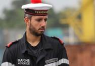 """Vẻ đẹp trai """"khó cưỡng"""" của lính Hải quân Pháp tại Đà Nẵng"""