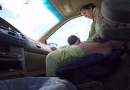 Chồng vẫn lái xe, vợ bình tĩnh sinh con ngay trên ô tô