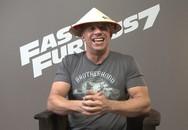 """Tài tử """"Fast & Furious 7"""" mê mẩn nón lá Việt Nam"""