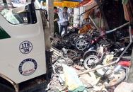 Hai người chết, hơn 10 xe vỡ nát khi ôtô tông sập nhà dân