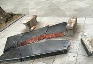 Ghế đá cổ thời Lê lớn nhất Hà Nội bị vỡ tan tành