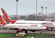 Máy bay hạ cánh khẩn cấp, hành khách bị thương