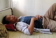 Người cha nằm khóc ở bệnh viện khi hay tin con gái tử nạn