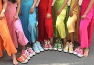 Đám cưới siêu độc: Cô dâu, phù dâu diện áo dài đi giày thể thao