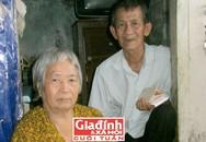 Cuộc sống khó khăn của ông lão cuối đời phải đơn độc chăm vợ bệnh